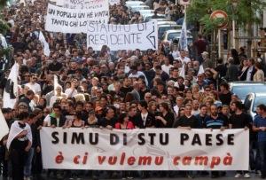 En-Corse-des-manifestations-en-faveur-du-statut-des-residents-degenerent_article_popin