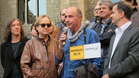 Lluis-Llach-encabezara-Junts-Girona_EDIIMA20150724_0452_4